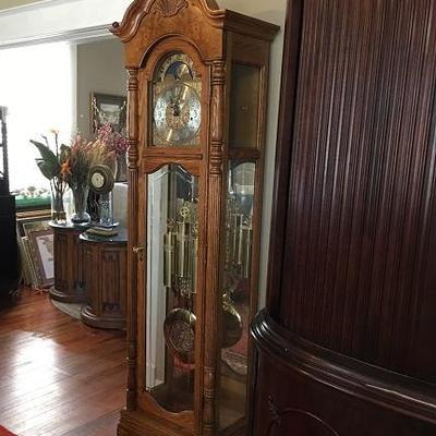 JOB 10.16 DR 009 Howard Miller Grandfather Clock