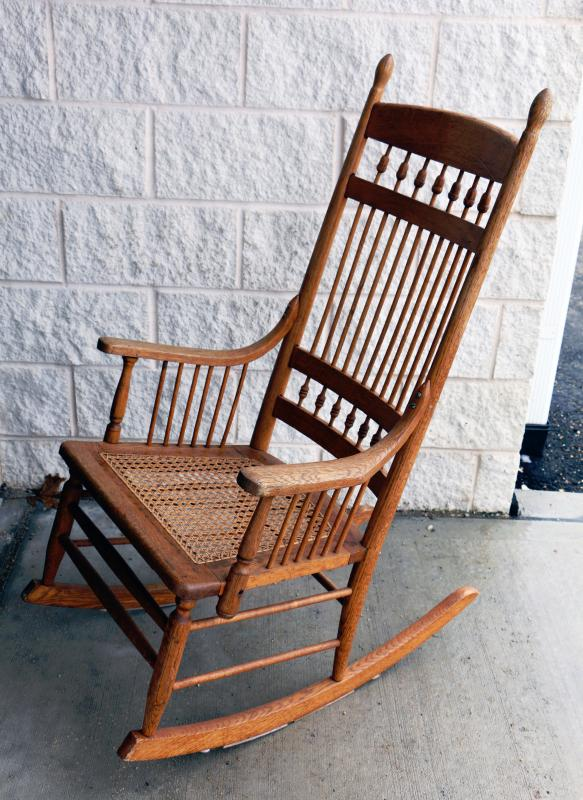 Swell Antique Vintage Oak Rocking Chair Full Size Estatesales Org Machost Co Dining Chair Design Ideas Machostcouk