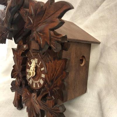 Schnieder Wood Cuckoo Clock Made in Germany (Item 2002)