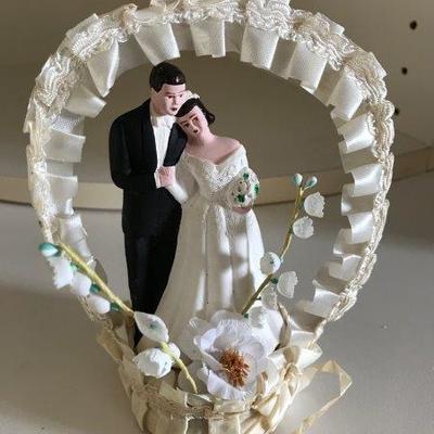 Lot 12-Vintage Mid-Century Wedding Cake Top