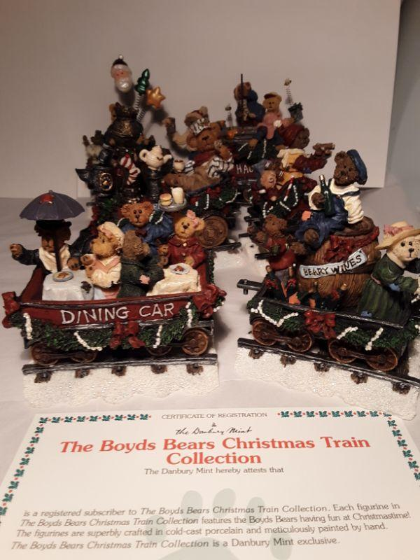 Christmas Train Cast.Boyds Bear Christmas Train Collection By Danbury Mint Estatesales Org