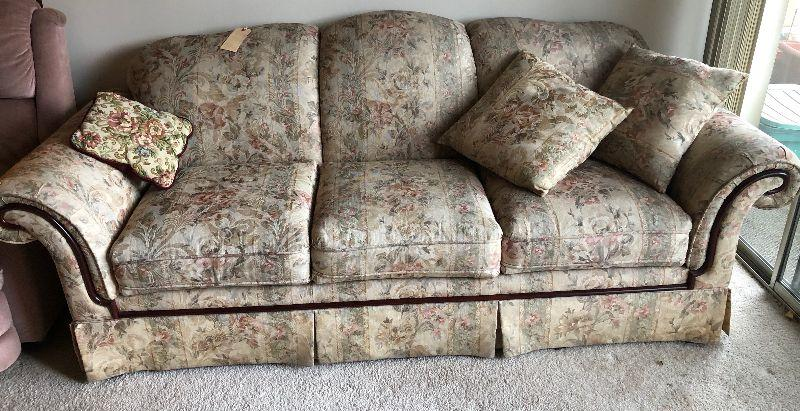 Bassett Floral Couch Pink And Green Hues Estatesales Org
