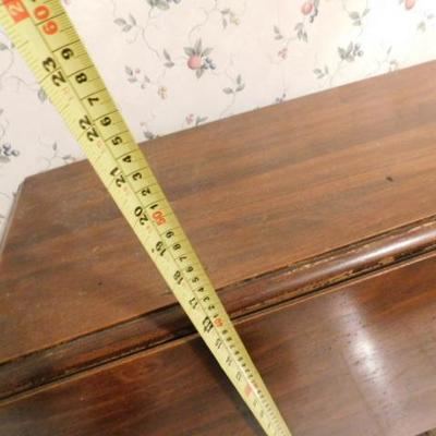 Drop Leaf Gate Leg Table 32