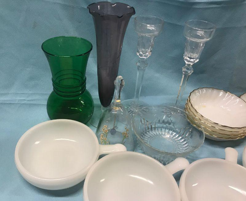 Assortment of vintage milk glass. All items SOLD AS IS, AS SHOWN and subject to reserve bid. Unsold and Unpaid items will be relisted. Items can be picked up on Wednesday June 5th between 5-7 PM. We can ship small items. For items we do not ship, Buyer can use commercial shipper (UPS, Fedex, etc) Pack and Ship services and we will work with them.
