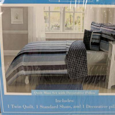 Kids Expressions Twin Quilt Set, 3pcs, BLue Stripe & Plaid - New