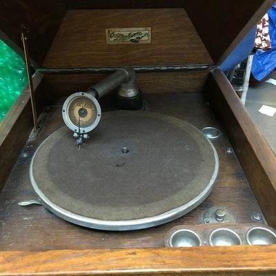 Dalion Gramophone-Victrola
