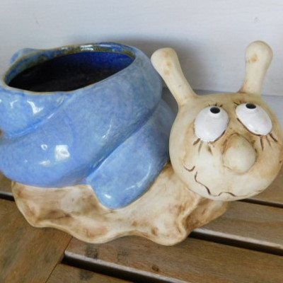 Large Hand Painted Pottery Ceramic Snail Planter 12