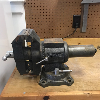 Stupendous Lot 14 Workforce 5 Bench Vise And Other Vise Estatesales Org Pabps2019 Chair Design Images Pabps2019Com