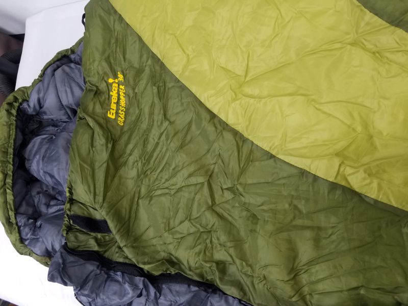 the latest c34b8 b50cd Eureka Grasshopper 30 Sleeping Bag, Green #2 | EstateSales.org