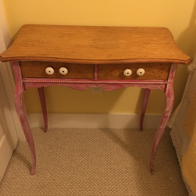 Lot 2 - Side Table & Chair