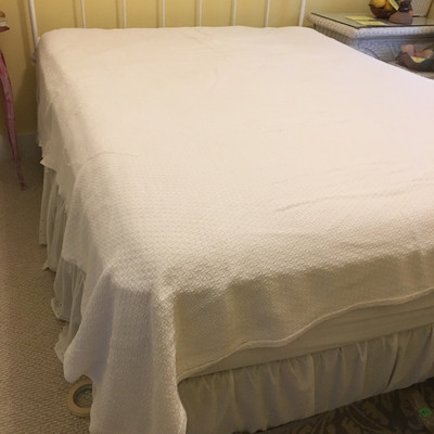 Lot 3 - Assortment of Blankets