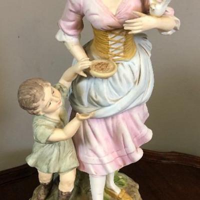 Lot 3 Beautiful Stoneware figurine - not chipped