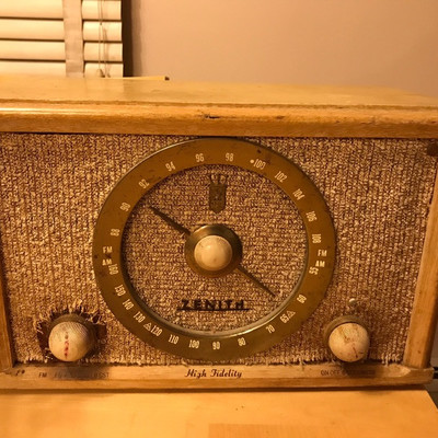 Zenith Hugh Fidelity Radio