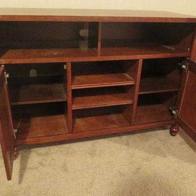 Cabinet / TV Stand