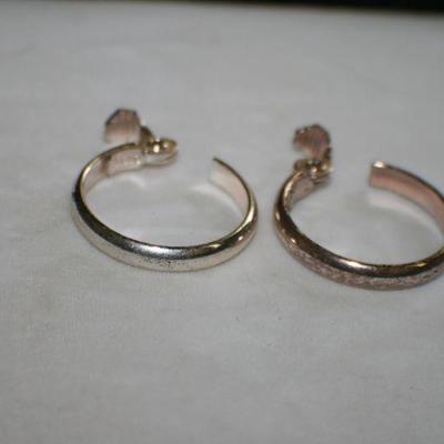 Vintage Silvertone Clip On Hoop Earrings