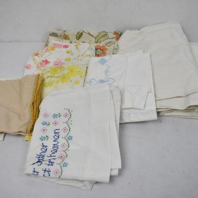 6 Vintage Pillow Cases & Two White Flat Sheets - Needs Cleaning