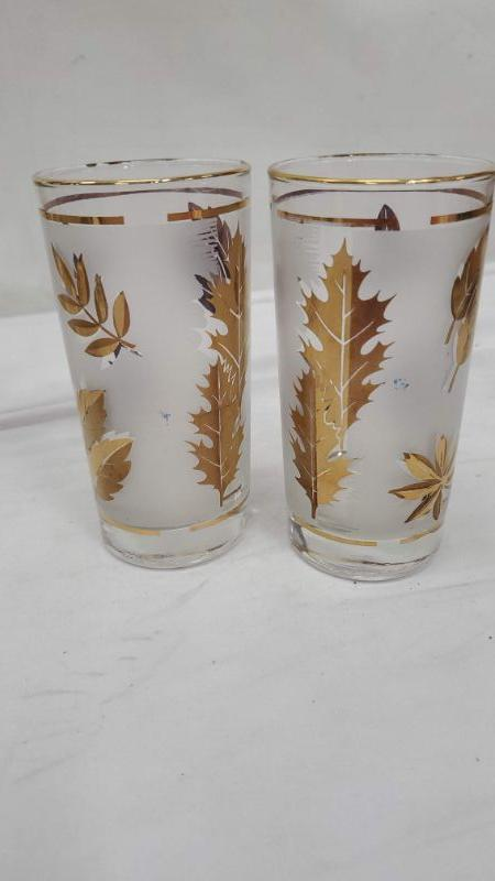 Set of 8 Mid Century Libby Gold Leaf Drinking Glasses, Carrier Rack/Caddy, Vintage, A Few have Little Blue Marks