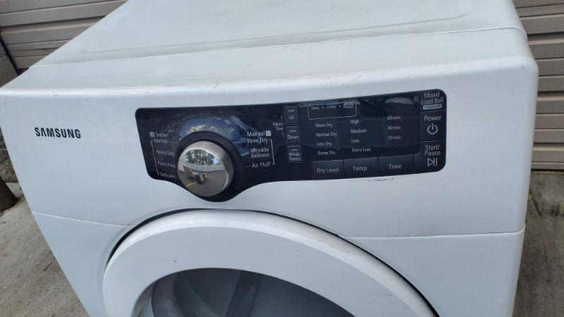 Samsung Dryer, 7.5 Cubic Ft, DV361EWBEWR/A3, Small Dent on Top Back - 30 Day Guarantee