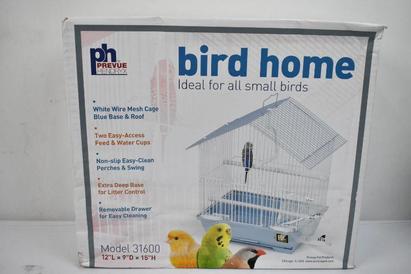 Prevue Hendryx Bird Home for Small Birds - New