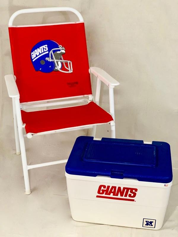 Terrific New York Giants Tailgate Set Estatesales Org Ocoug Best Dining Table And Chair Ideas Images Ocougorg