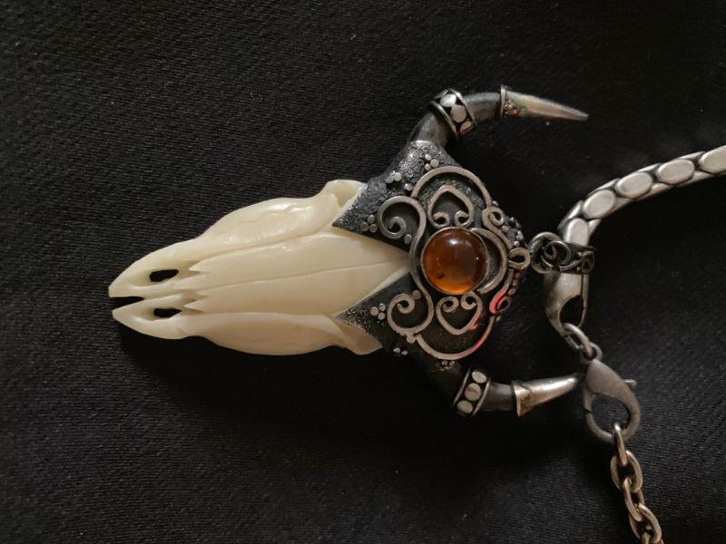 "Southwestern  Jewelry Large 1"" Buffalo Skull Pendant with Honey Amber and Chain"