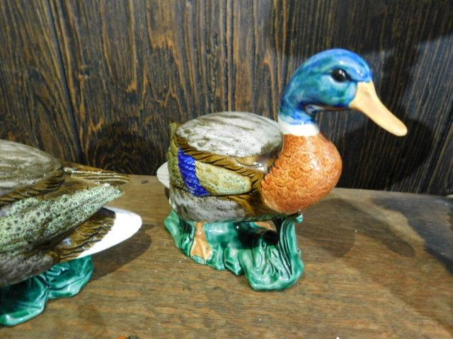 Impressive Ceramic Duck Set with Nice Glaze Finishes and Bold Coloring