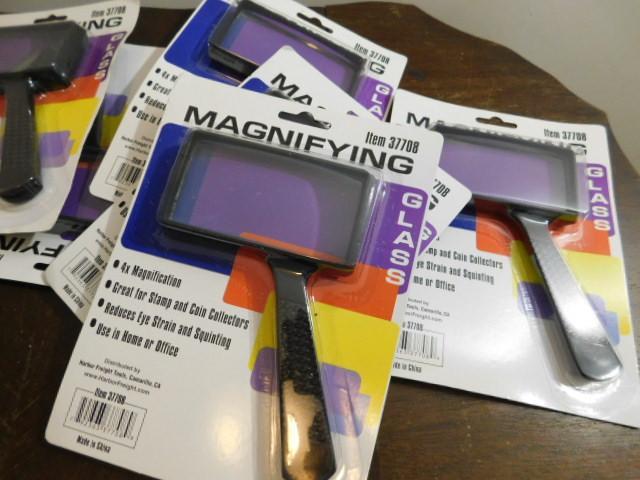 Bulk New in Box Magnifying Glasses