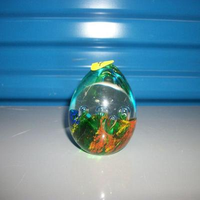Millifiori Egg Shaped Paperwight with Elongated Bubbles