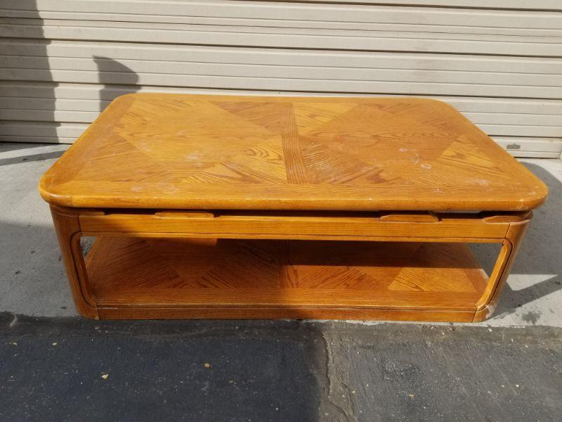 Large Lift Top Coffee Table Estatesales Org
