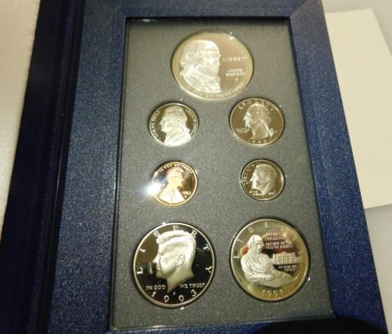 US Mint 1993 Prestige Bill of Rights 7 Coin Set with Silver Dollar and Half-Dollar COA packaged in original box