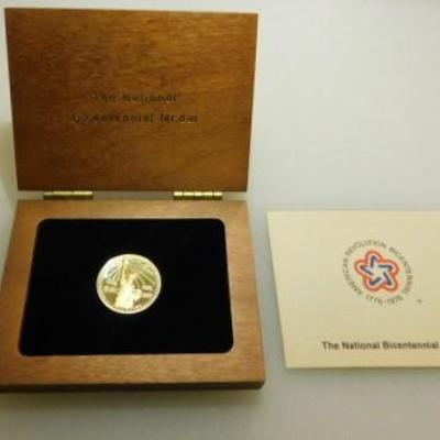 National Bicentennial 1976 90% Gold Medal Cherry Wood Display Box UNC 0.3704 troy oz