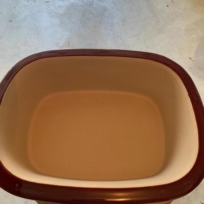NEW PAMPERED CHEF ROASTER WITH LID