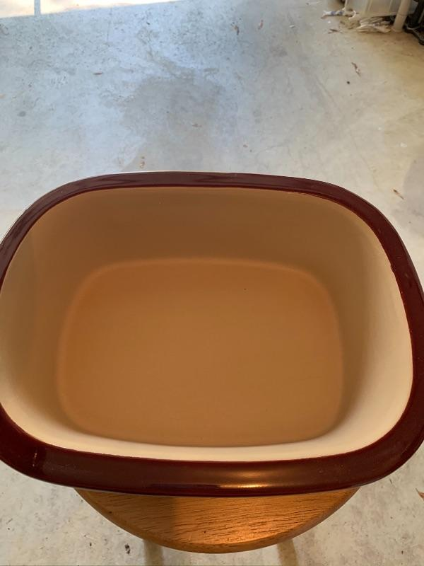 BURGUNDY PAMPERED CHEF ROASTER WITH LID. APPROX 13 INCHES.