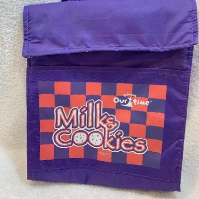 Insulated Lunch Bag with Handle & Velcro Closure - NEW