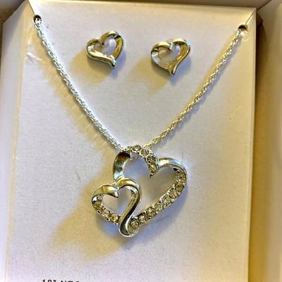 New Hearts Necklace & Earring Set