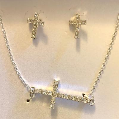 New Necklace & Pierced Earring Set