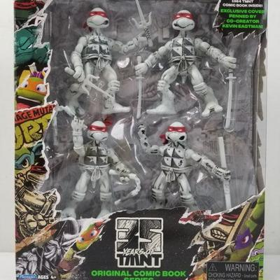 35 Years of Teenage Mutant Ninja Turtles 4 Figure Set - Missing Comic