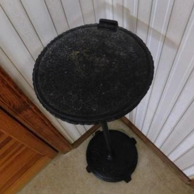 Cast Metal Stand 26