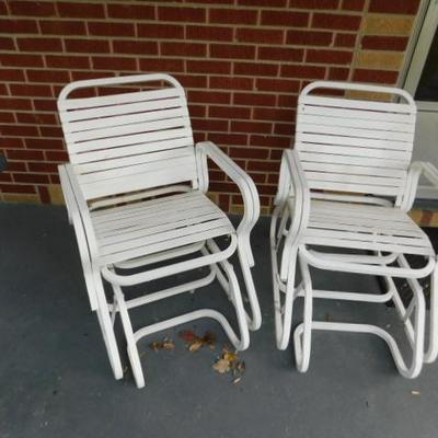 Set of Metal Out Door Patio Glider Chairs
