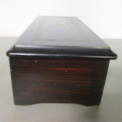 Lot 1 - Antique Music Box