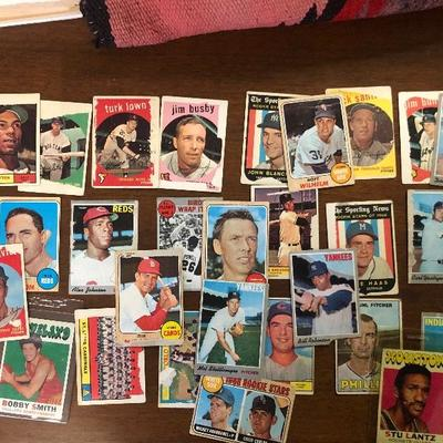 Lot 2  Vintage baseball cards