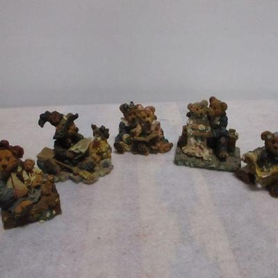Lot 5 - Collection Of Boyds Bears & Friends