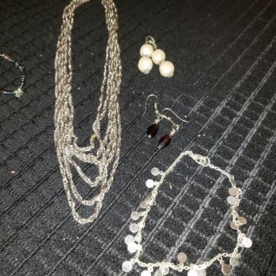 Jewelry Lot# 301