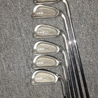 KB 2  SET OF IRONS W/PW
