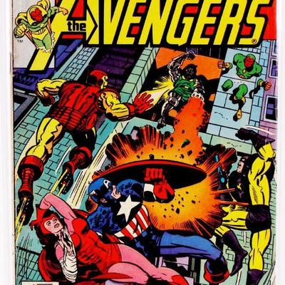 AVENGERS #156 Bronze Age Comic Book Dr. Doom Iron Man 1977 Marvel Comics FN