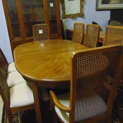 P4 Table and chairs