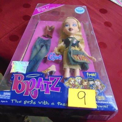 9 Bratz doll