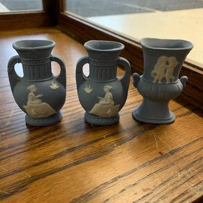 Wedgewood vase lot