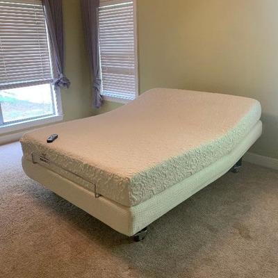 Queen Memory Foam Adjustable Bed