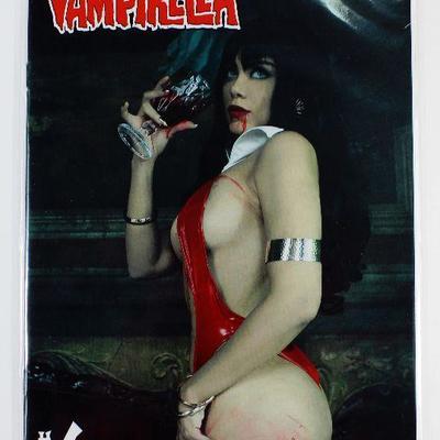 VENGEANCE OF VAMPIRELLA #6 CVR D LORRAINE COSPLAY